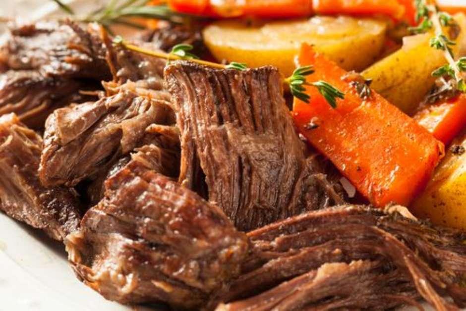 Qual é a Melhor Panela para Dourar Carnes